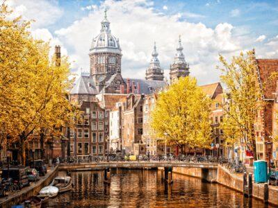 basilica-of-saint-nicholas-amsterdam-autumn-cityscape-river